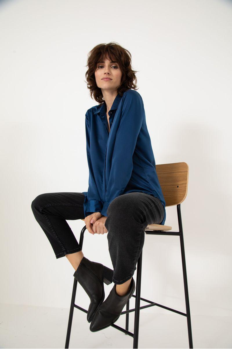 Camisa-Sedita-Emilia-Azul-Marino-02