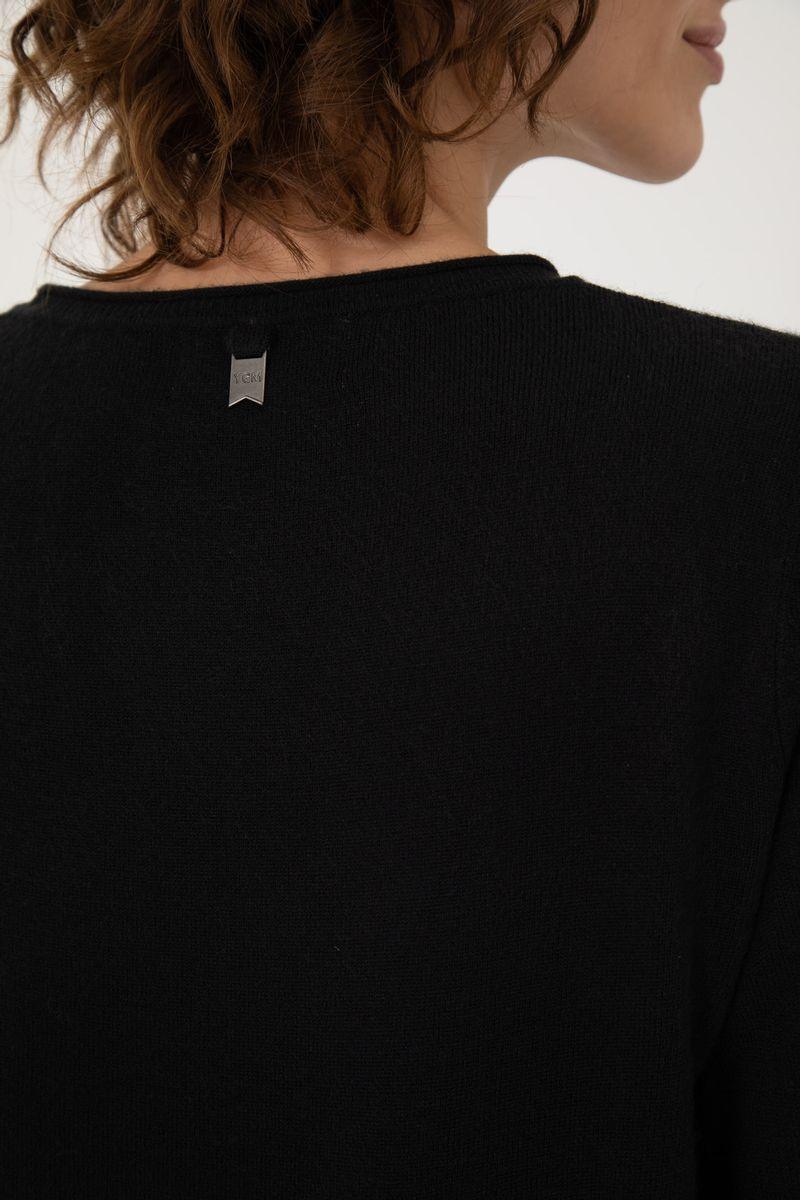sweater-irene-invierno-20-Negro-0800136102-04.jpg